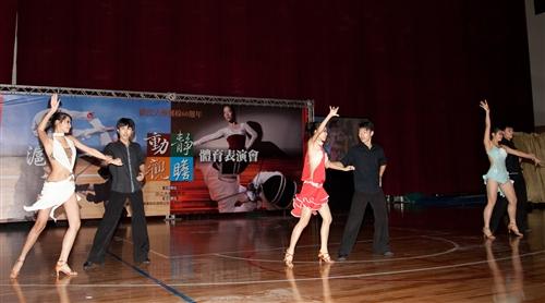 動靜觀瞻-體育室舉辦「滬動一甲子」體育表演會。