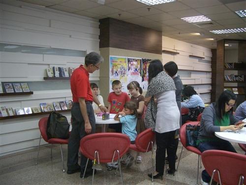 覺生紀念圖書館與美洲所及英文系合辦「《湯姆歷險記》暨馬克‧吐溫主題書展」及「閱讀《湯姆歷險記》」等一系列「2010世界閱讀日」活動,邀請與會者一同重溫兒時舊夢,並向大師致敬。