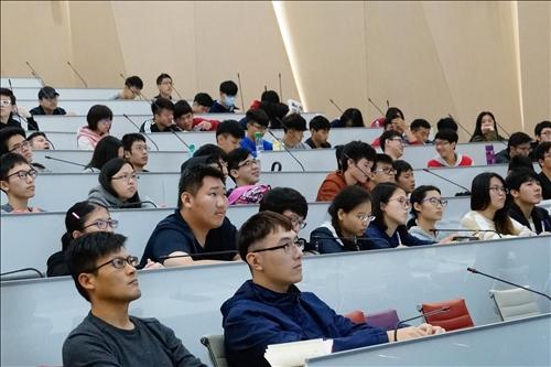 淡江熊貓講座開講(3)-聘請加拿大皇家科學院及工程學院雙院士孫學良博士