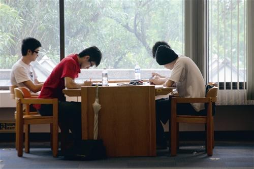 考期圖書館一位難求
