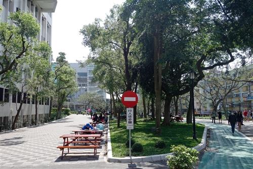 商管大樓北側增設行人徒步區、科學館西北側新增停車位。