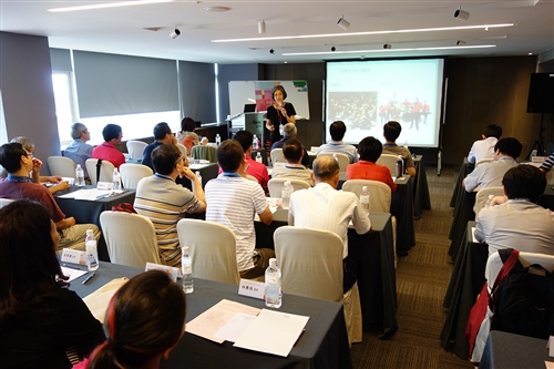 新任系所主管第一堂課「打造溝通力、執行力與說服力」。