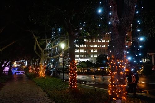 歲末祈福點燈「做一盞明燈  照亮身邊每個人」