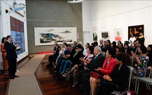 「國際美術大展」 多元文化特色盡收淡江世界村