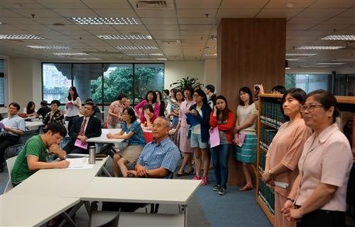 覺生紀念圖書館三樓打造資訊市集概念空間。
