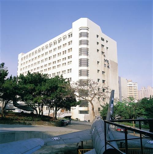 商管大樓外觀-09
