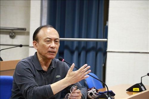 與會老師分享使用CLIL教學在台灣學生的擔心