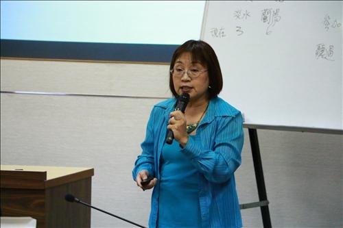 企管系文馨瑩老師CLIL的教學經驗分享