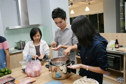 蘭陽校園與國際事務副校長有約:在住宿學院美食佳餚中激盪的交流與對談