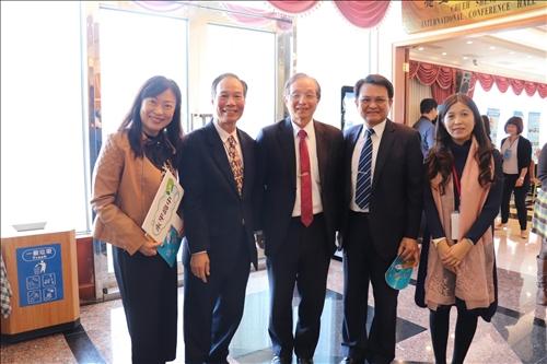大手牽小手-淡江教政所與新北教育局推動高中與大學「共備課程、共創學習」
