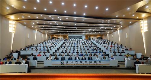 9-108年11月12日上午第16場「熊貓講座」於淡水校園守謙國際會議中心有蓮廳舉辦,與會師生約人。(馮文星攝影)
