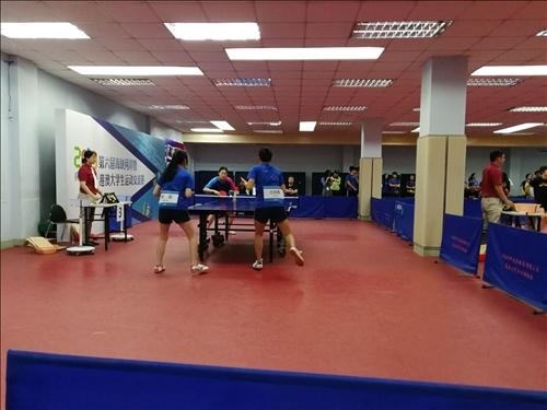 17-本校桌球隊中文系碩四陳怡靜、會計系碩二古佳蕙與南京大學女子雙打賽實況。
