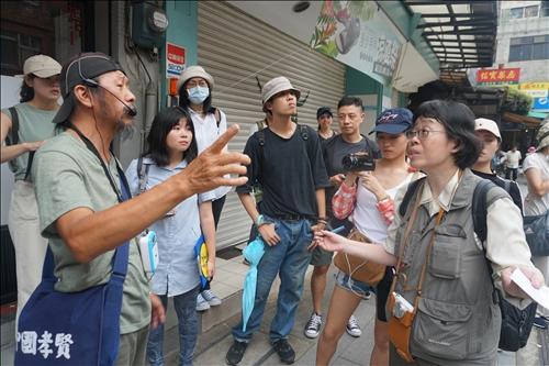 16-在地文史工作者紀榮達老師導覽清水街到天主堂的路線
