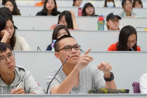 15-學生提問(馮文星攝影)