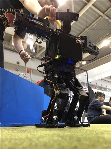 淡江參賽的機器人(3)