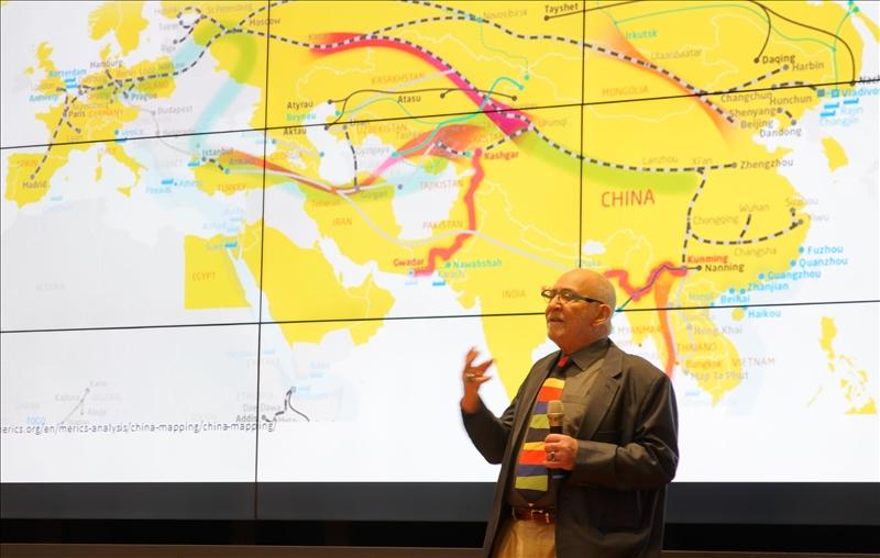 淡江熊貓講座開講(10)-邀請加拿大約克大學榮譽教授Dr. Daniel DRACHE