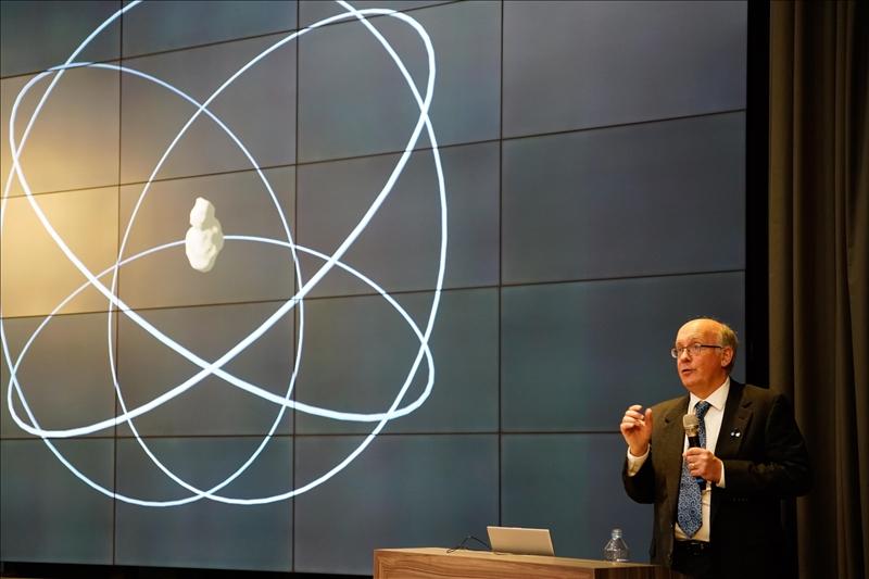第16場熊貓講座,由航太系邀請Dr. Daniel J. Scheeres擔任講者。(馮文星攝影)