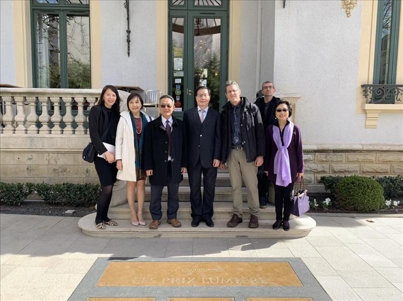 108年3月12日上午,葛煥昭校長率團至法國里昂第三大學參訪,由該校國際長引導參觀校園。