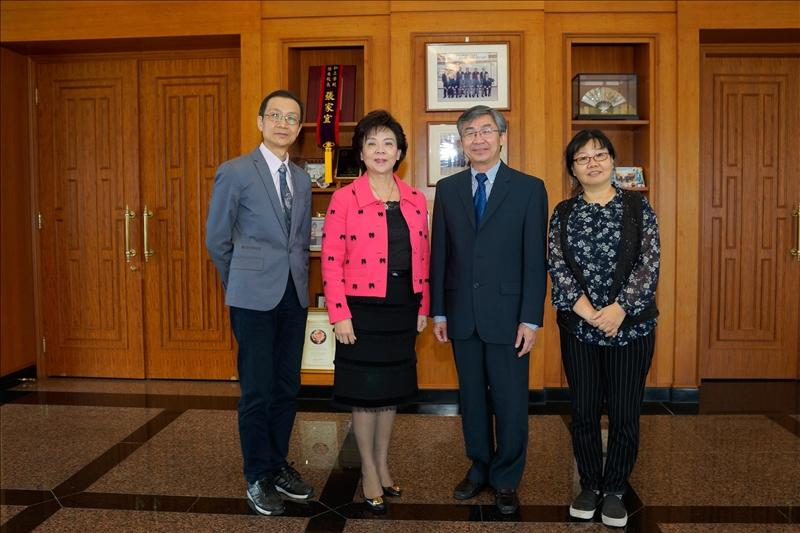108年2月26日拜會董事長行程,左起:蔡宗儒院長、張家宜董事長、Dr. Hoang Pham、吳淑妃教授。