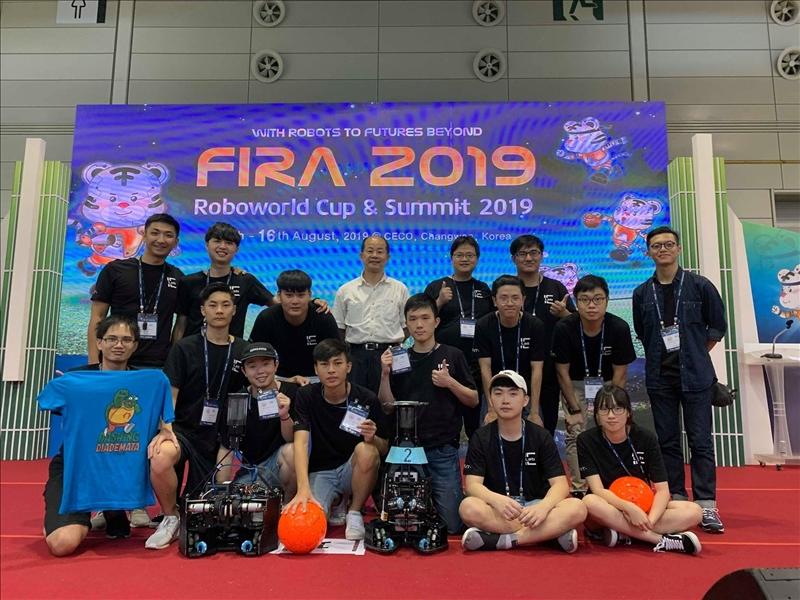 淡江大學電機系師生團隊108年8月參加第24屆世界盃機器人大賽(FIRA),獲得7金2銀2銅佳績。