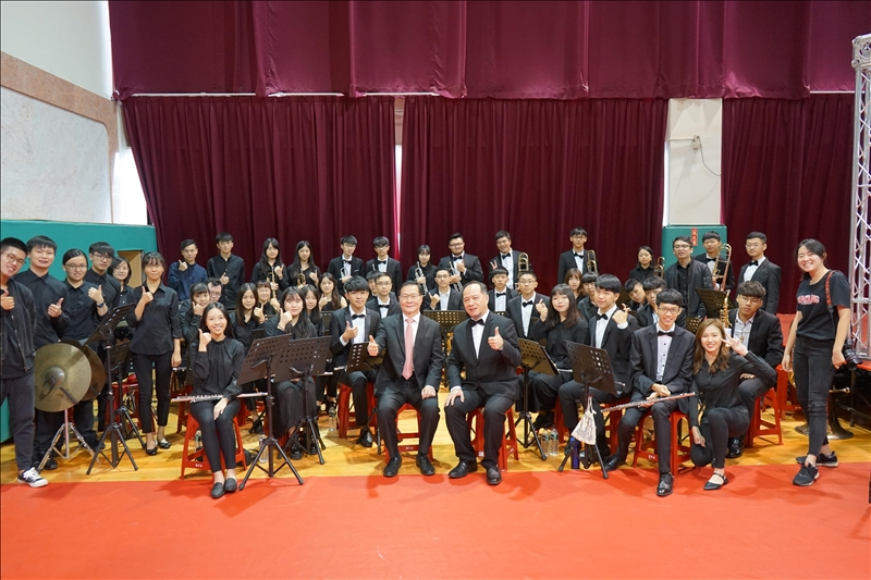 本校管樂團為69週年校慶慶祝大會典禮帶來精采的演奏。(攝影/麥麗雯)