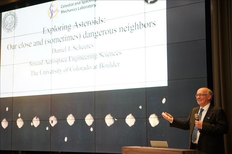 11-Dr. Daniel J. Scheeres演講(馮文星攝影)