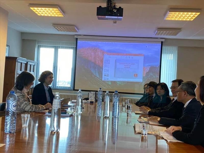 46-本校訪問團與比利時姊妹校聖路易斯布魯塞爾大學舉行座談會