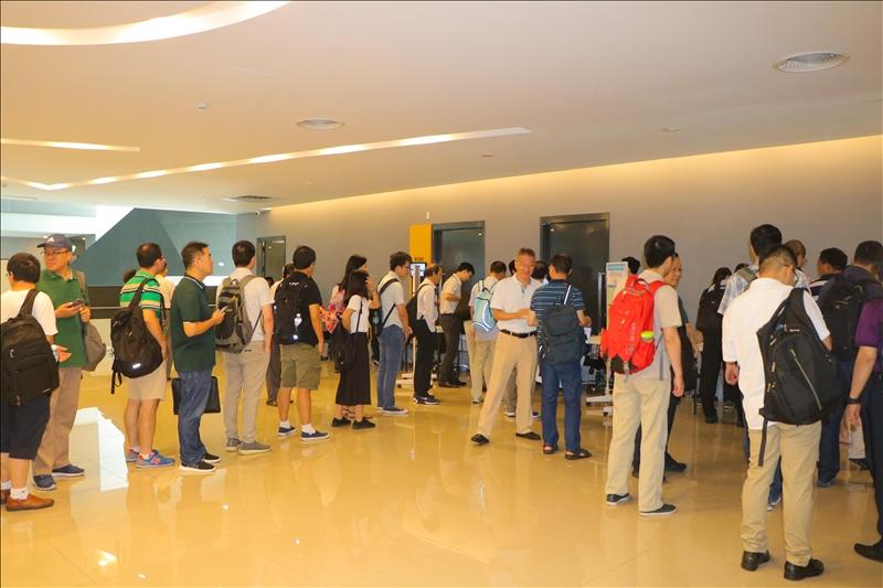 2-大會報到,計有近百位學者共襄盛舉。