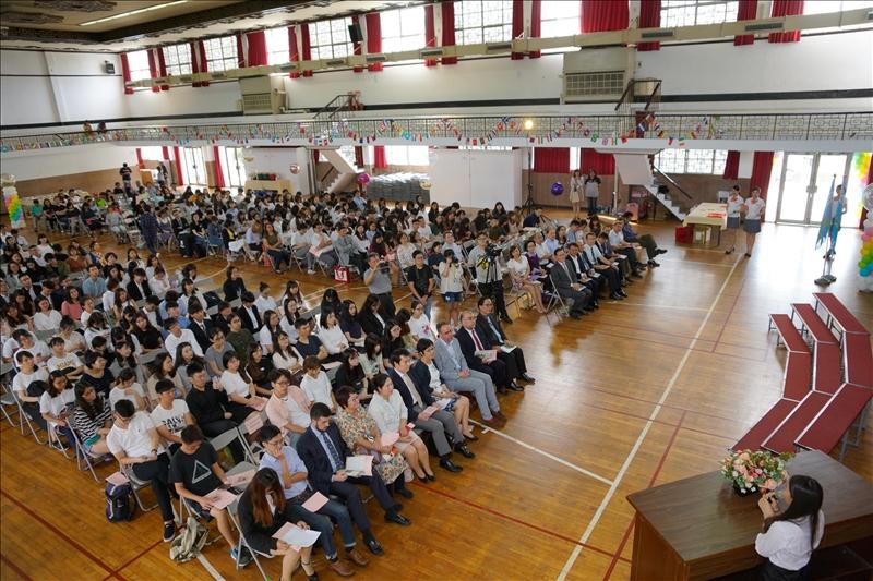 參加108學年度大三出國授旗典禮的同學們