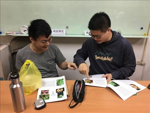 學員練習及討論課程內容