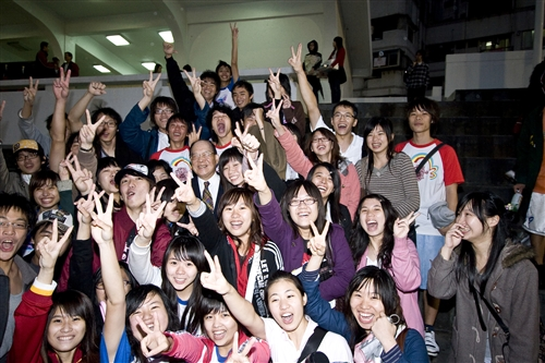 企業最愛大學生,本校排名全國第二,蟬聯私校第一。
