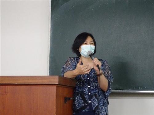 授課老師進行結語