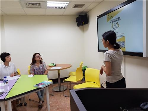淡江華語中心黃舒齊老師介紹這次影片拍攝的計畫。