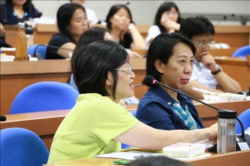 與會老師詢問關於大數據在台灣的發展狀況