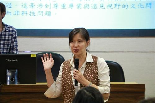 教師發展組李麗君組長開幕致詞