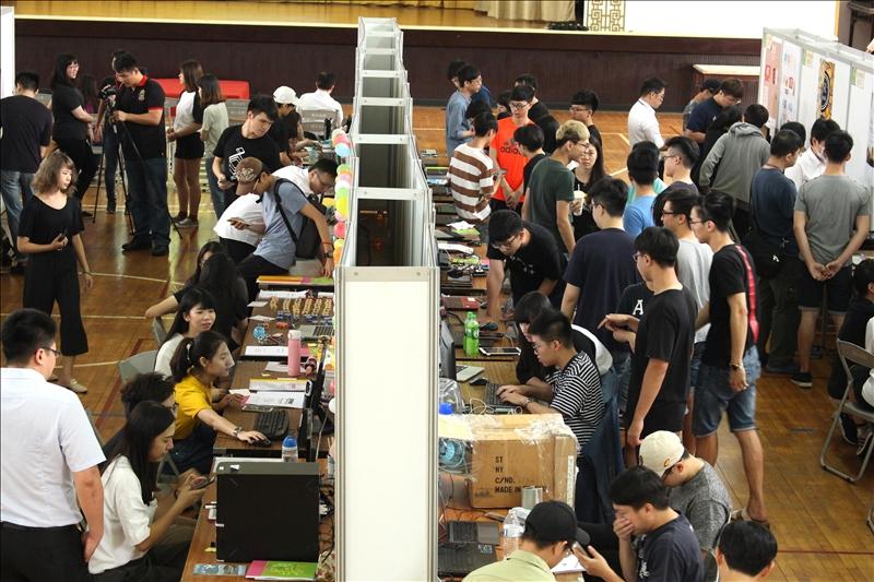 2018淡江大學資訊週,於5月23日在淡水校園學生活動中心舉辦七系聯展暨程式教育教學成果展示。