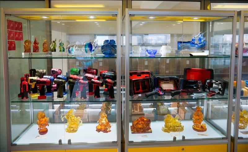 宗瑋工業公司研發之高科技客製化產品展示(中間層)