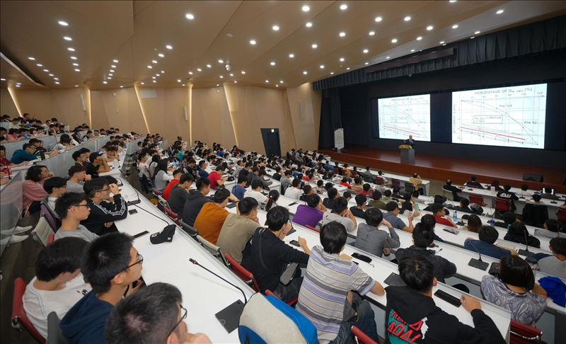 首場熊貓講座-師生專注聆聽大師演講(2)