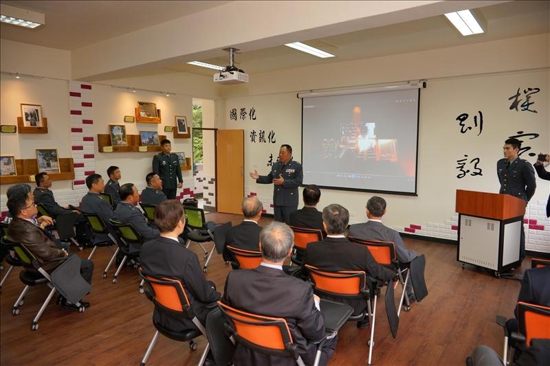 介紹「剛毅學園」教室之2(軍訓室拍攝)