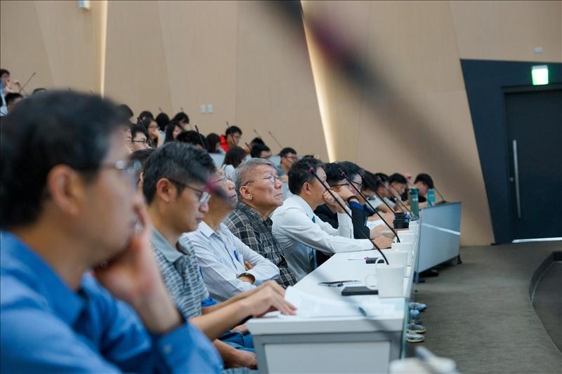首場熊貓講座-師生專注聆聽大師演講(1)