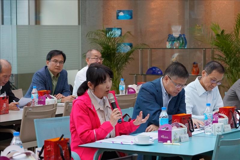第163次行政會議,文學院林呈蓉院長發言。