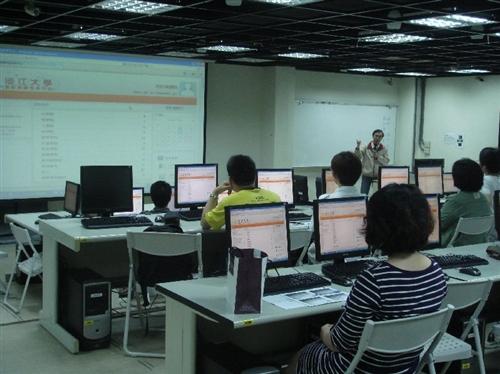 99年3月19日舉辦「Moodle平台教學分享工作坊」