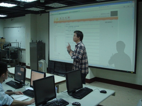 99年2月26日舉辦「Moodle教學平台馬上會」工作坊