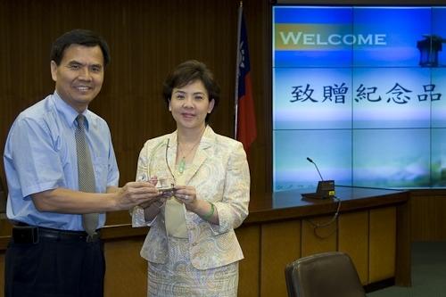 台北市中等學校校長協會一行人蒞校參訪本校之教育品質管理。