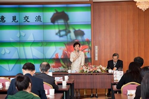 臺北醫學大學一行38人蒞校參訪,張校長家宜和與會人員分享本校榮獲第19屆國家品質獎之申請歷程及推行TQM之成果。