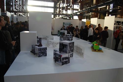 本校建築系師生設計作品,參選「第四屆鹿特丹建築雙年展」,開台灣建築系在鹿特丹建築雙年展獲獎之先例,榮獲特別優選與入圍參展,入圍作品數並與美國哈佛大學相同。