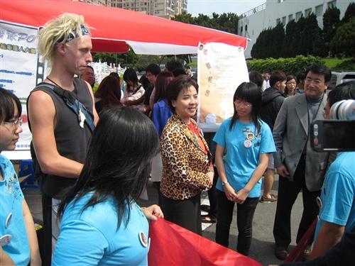張校長出席「反菸一起來,徽徽相映活動」。