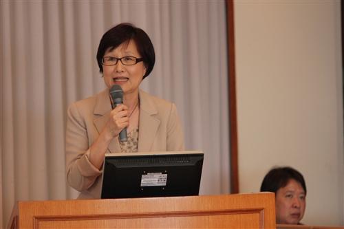 本校舉行「100年度教學單位計畫執行成果發表會」。