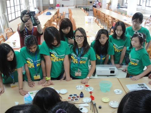 成教部辦理「2012海外僑裔青年語文研習班(暑期青少年班)」。