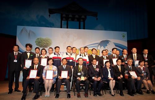 本校再度榮獲第21屆「中華民國企業環保獎」。